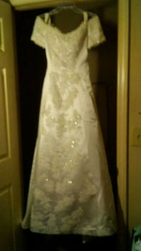 Sposabella authentic Mexican wedding dress.  Sand Hill, 39047