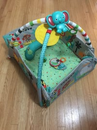 Baby activity gym Vaughan, L4H 3V7