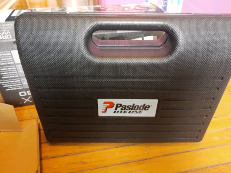 Paslode air stapler 3/8_9/16 3