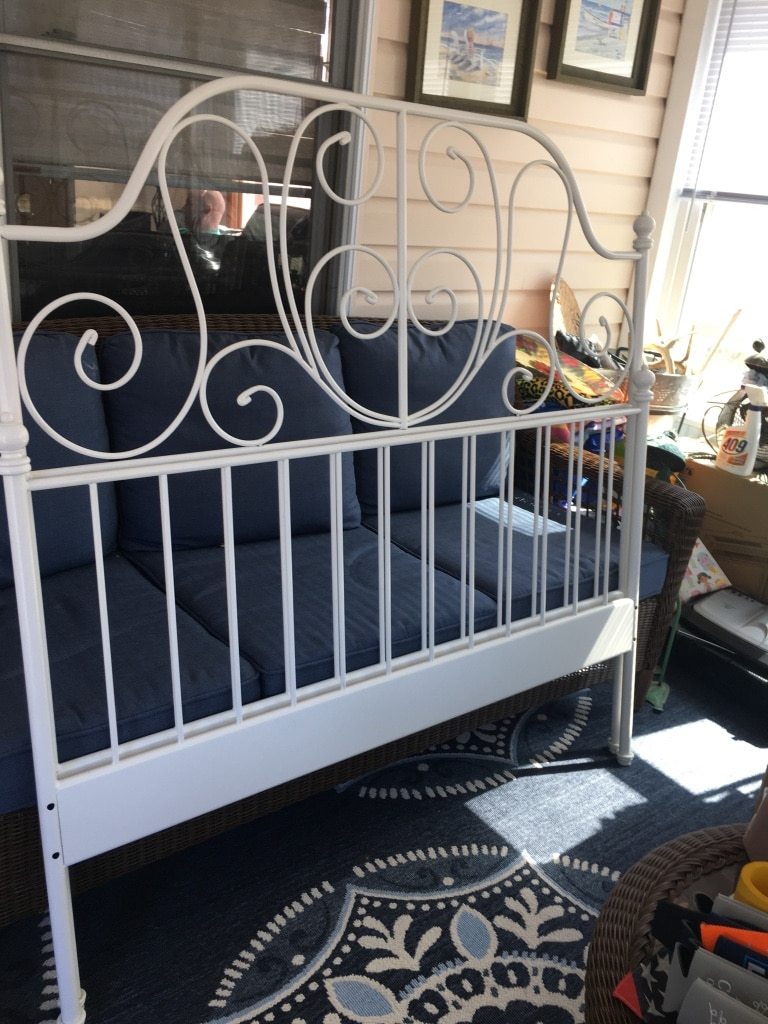 Photo White Wrought Iron Full Head and Foot Board