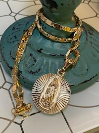 """Virgin Mary Gold Plated Medallion Pendant With Chain Necklace 22"""" 3mm"""
