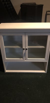 White Cabinet with magnetic doors Dayton, 45403