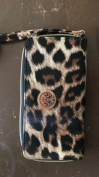 black and brown leopard print leather wristlet Converse, 78109