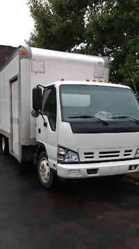 GMC/Isuzu 18 ft Box Truck