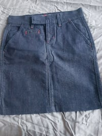 Old navy size 0 never worn denim skirt Calgary, T2E 3S7