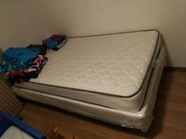 Twin bed new
