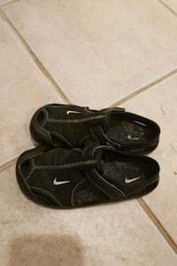 Nike boys summer shoes, size 26