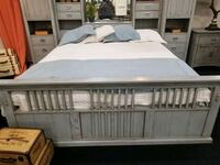 San Mateo Queen size captains bed Bakersfield, 93313