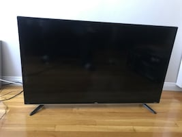 "TLC Roku HD 42"" TV"