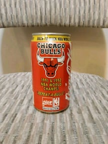 Chicago Bulls collectable Coke can unopened