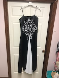 New with Tags Evening Dress Welland