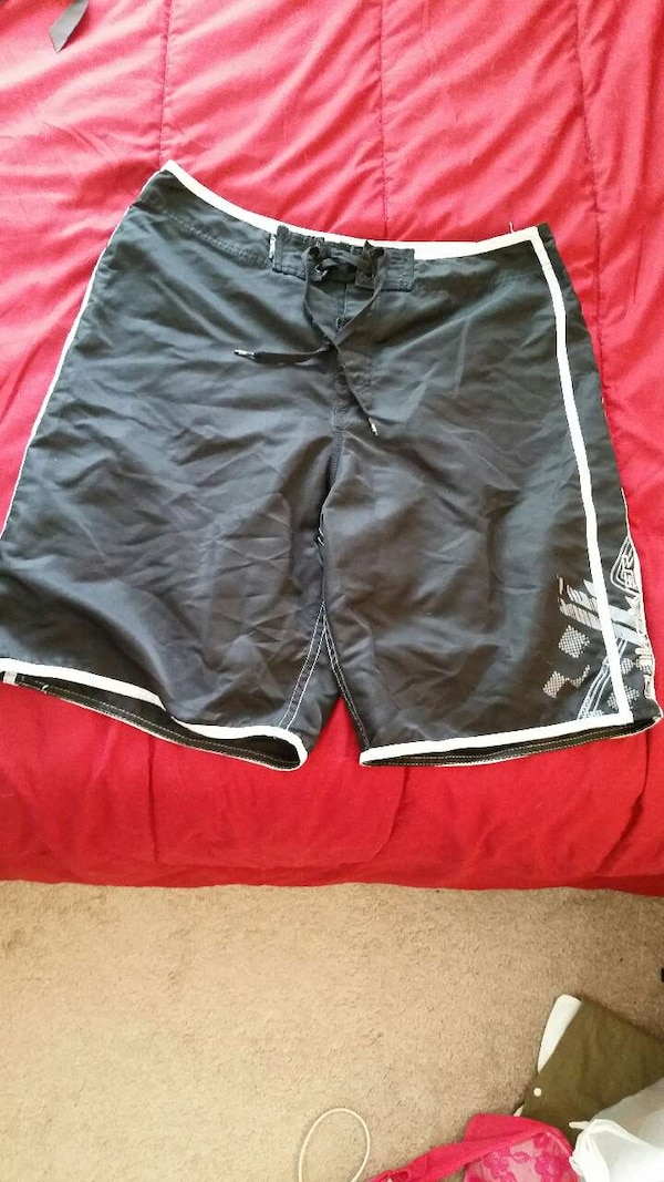 1ee81c2004 Used Quicksilver bathing suit shorts. for sale in Valrico - letgo