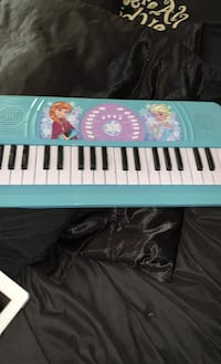 Piano kids like new 12