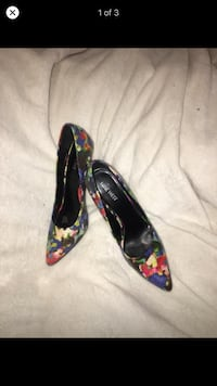 size 8 women's shoes  Vancouver, V5P 4L2