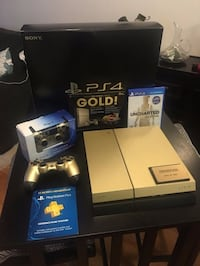 Sony PS4 console with controller and box BALTIMORE