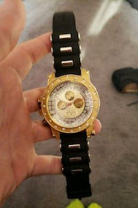 round gold-colored chronograph watch with link bracelet Southport, 46227