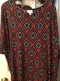 women's black, red, and white scoop neck blouse