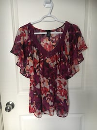 red and black floral scoop-neck shirt Kelowna, V1V 2V1