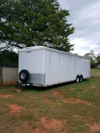 28 foot Enclosed Trailer 672 km