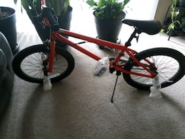 Mongoose trick bike in very mint condition