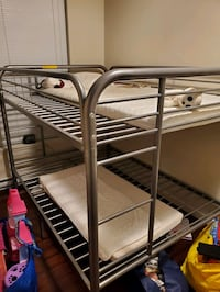 Bunk bed twin size