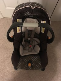 Chicco car seat carrier Germantown, 20876