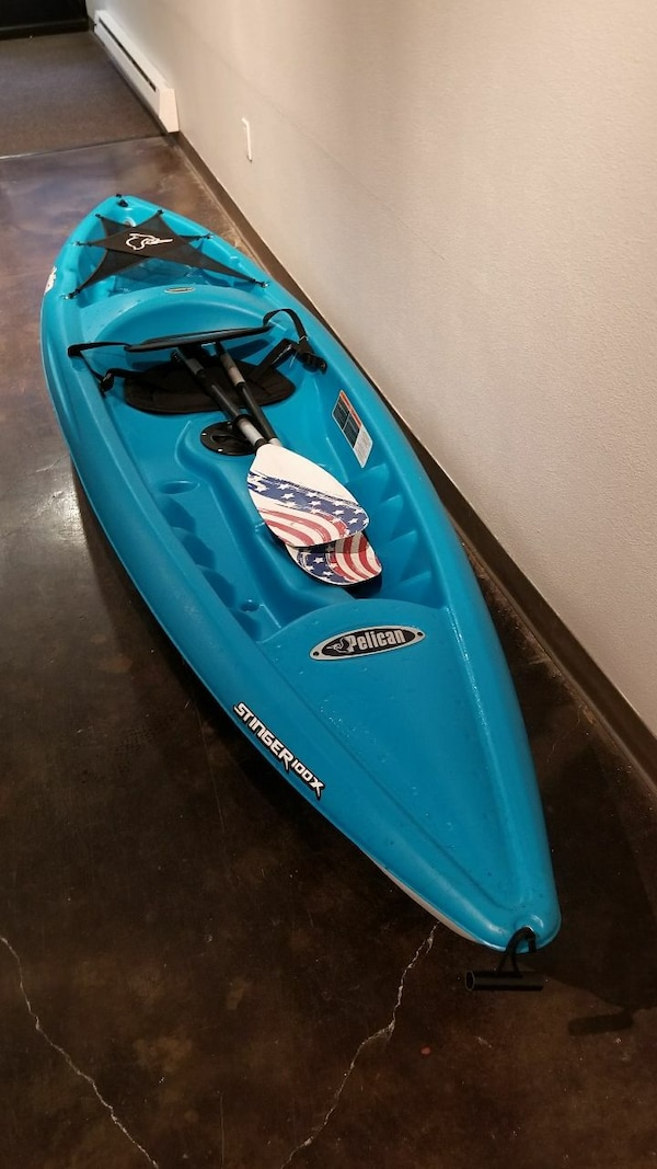 Pelican Stinger 100x Kayak with Paddle, Wheel tow