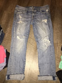 American eagle ripped jeans size 8 Sioux Falls, 57108