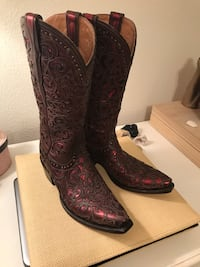 Pair of red cowboy boots Las Vegas, 89120