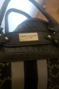Tommy Hilfiger purse London, N6B 1X6