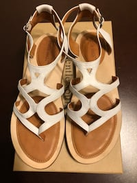 Gentle Souls white leather sandals 8M 1924 mi
