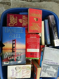 Lot of 44 Danielle Steel Mixed hardbac /paperback 273 mi