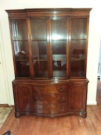 Vintage China cabinet excellent condition Kensington, 20895