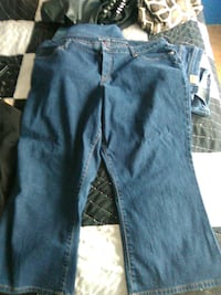 blue denim straight-cut jeans Cookeville, 38506
