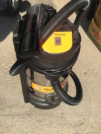 KUBOTA 8 GALLON STAINLESS STEEL VACUUM Winnipeg, R3N 1G2