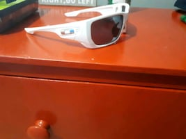 style switched authentic oakleys