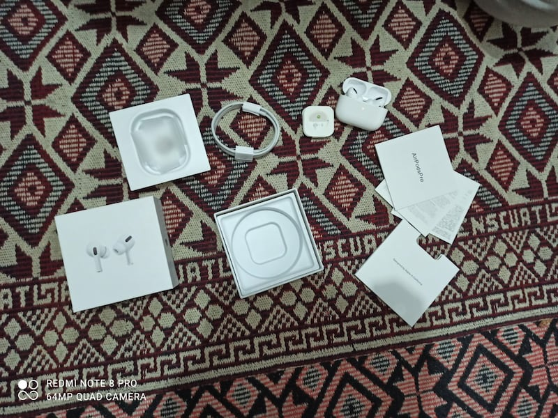 AIRPODS PRO ac2611aa-d119-4a28-83c4-0cfb373d14ae