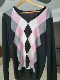 white black and pink harlequin v neck seater Surrey, V3V 0A8