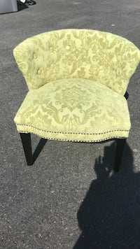 Stylish green chair. Great condition. Reading, 19610