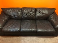 Black leather couch  Pickering
