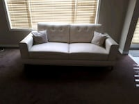 Like new couch. Calgary, T3P 0B1