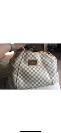 Authentic Louis Vuitton galleria GM Vancouver, V5M 4B1