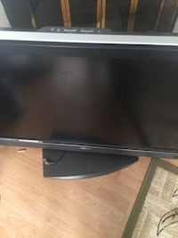 For Parts broken sony tv flat screen New Westminster, V3L 1Y1