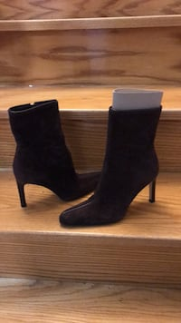 Vero Cuoio suede boots  Vaughan, L4J 7S3