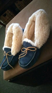 Uggs slippers moccasin  Silver Spring, 20906