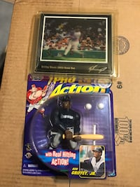 KEN GRIFFEY JR. SEATTLE MARINERS 1998 PREMIER REPLAYS 3D MOTION CARD 3D RARE and 1998 Starting Lineup MLB Ken Griffey Jr. Pro Action figurine.  MUST HAVE FOR ANY KEN GRIFFEY FAN!!! Pembroke Pines, 33026