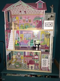 pink and multicolored dollhouse Norwalk, 90650