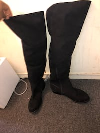 Women's size 10 suede boots Toronto, M1T 1V3