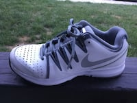 Nike Vapor Court women's size 7.5, Excellent Condition, see all pics, retail $79 Virginia Beach, 23471