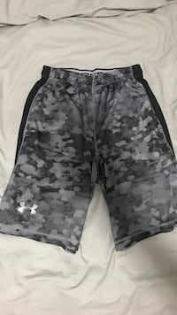 Under armour camo shorts size men's small Vancouver, V6B 2B9